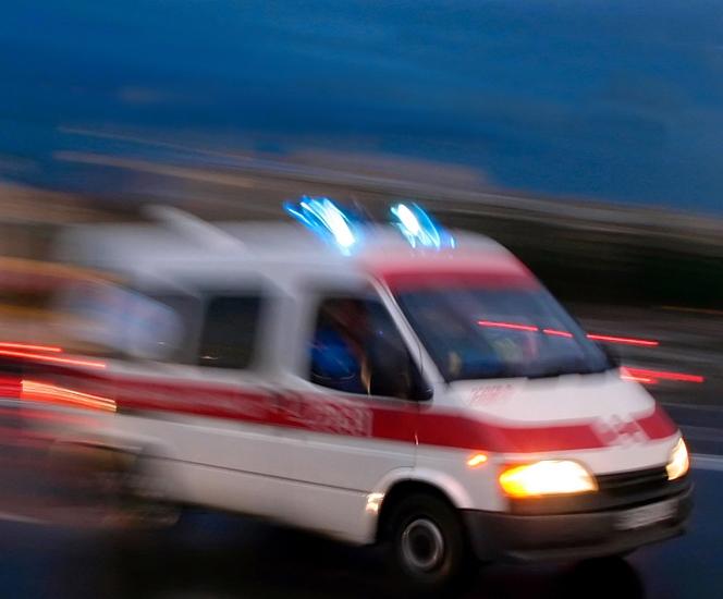 疫情防控战,国内明星捐献救护车
